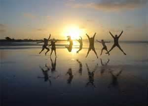image-people-jumping-on-beach-cropped